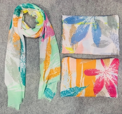 Picture of £7.99 TROPICAL SCARVES 3 ASST (12)